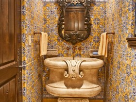 The bathroom in the Egyptian style