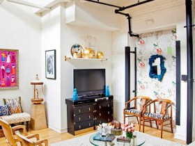 The interior of the cottage in eclectic style