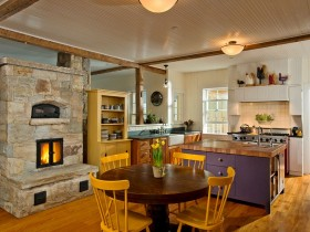 Kitchen design in eclectic style