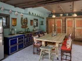 The original kitchen interior in eclectic style