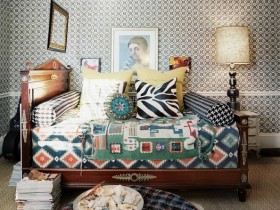 Bed design in eclectic style