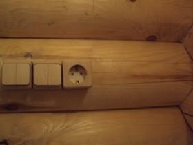 Розетка и выключатель в бане