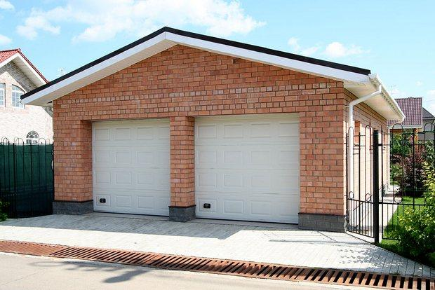 Кирпичный гараж своими руками