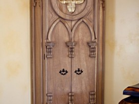 Double wardrobe in Gothic style