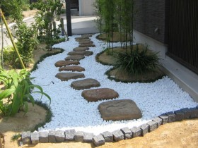 Decorative gravel for decorate the area with their hands