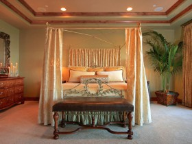 Bedroom with luxury canopy bed