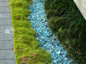 The idea of a dry Creek in the garden