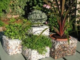 Контейнеры для цветов из габионов