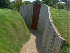 Дизайн подпорной стенки в саду