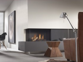 Bir fireplace hi-tech uslubidagi