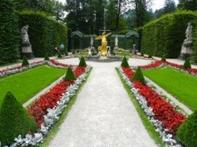 Luxurious Italian garden