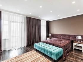 Интерьер спальни в стиле китч