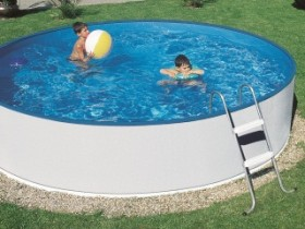 Frame pool in summer cottage