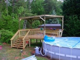 Frame pool with deck