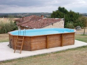 Wooden frame pool