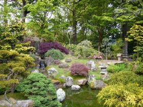 Chinese garden decor