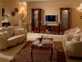Вітальня кімната в класичному стилі