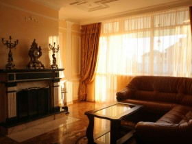 Маленька кімната в класичному стилі