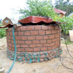 Оформленный колодец из бетона