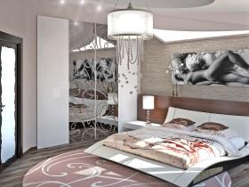 Современный интерьер спальни с интимной картиной