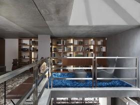 Второй этаж в коттедже стиля конструктивизм