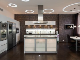 Kitchen in the style of hi-tech