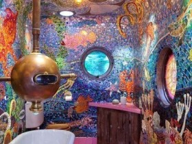Bathroom design in the form of a submarine