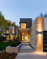 Фасад современного коттеджа в стиле модернизм