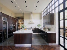 Interior spacious modern kitchen