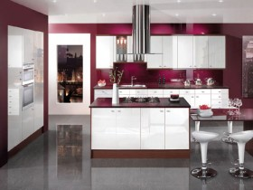 Kitchen design in contrasting shades
