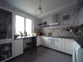 Світла кухня у стилі Прованс