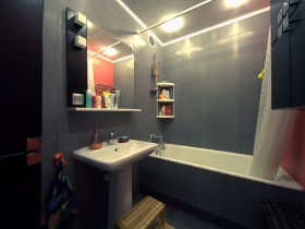 Темно-серая ванная комната