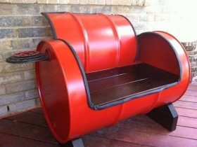The idea of creating benches out of the barrel