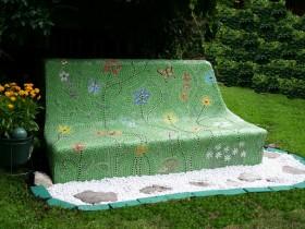 The original garden bench