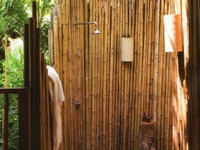 Летний душ из бамбука