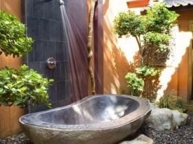 Creative outdoor shower