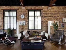 Стильный интерьер гостиной в стиле лофт