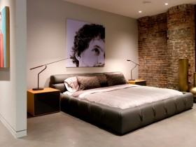 Гарна спальня в стилі лофт