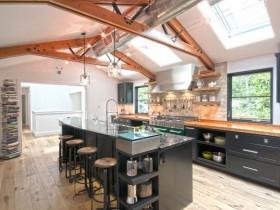 Дизайн світлої кухні в стилі лофт