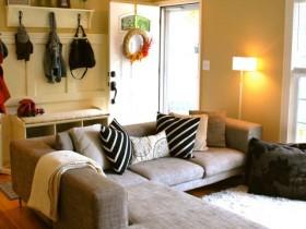 Маленькая гостиная в пастельных тонах