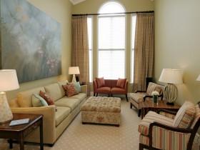 Интересный дизайн маленькой гостиной
