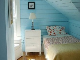 Small bedroom turquoise