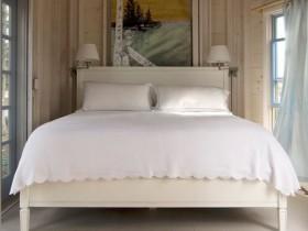 Маленькая спальня в стиле шале