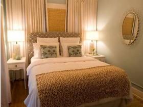Классическая спальня небольшого размера