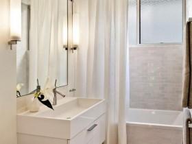 Классический стиль маленькой ванной комнаты