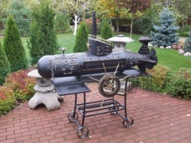 The grill in the form of a submarine