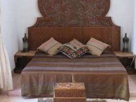 Bed design in Moroccan style