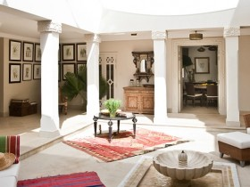 Beautiful Moroccan-style living room