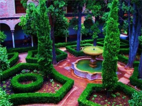 The idea of the Moorish garden decor