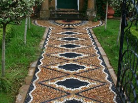 Garden path in the Moorish style